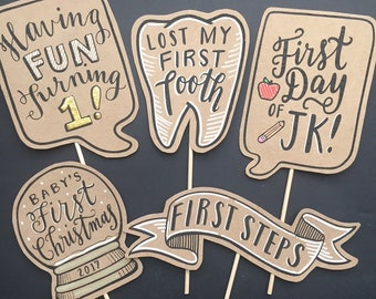 Handmade Firsts Milestones Photo Prop Set - 5 Pieces - POSECARDS™