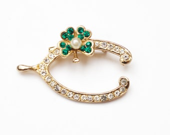 Horse Shoe shamrock brooch -green rhinestone - Clear crystal  -white pearl -  Lucky figurine pin