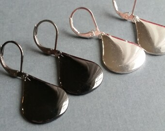 Shiny Teardrops . Leverbacks . Earrings