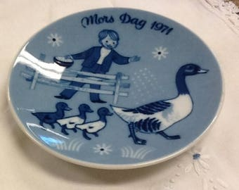 Vintage Mother's Day Plate