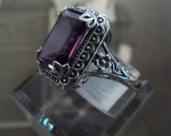 Charming Sterling Silver Alexandrite  Ring Size 6.75