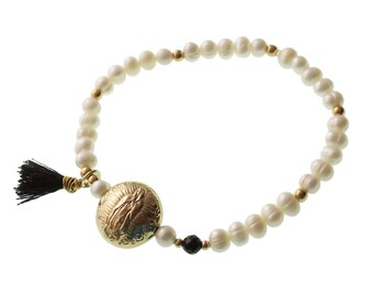 Virgin Mary Bracelet/ Pearl Bracelet/Brass Charm/ Tassel/ Elastic Bracelet/ Catholic/ Religious/ Virgen Maria/ Virgen de Guadalupe