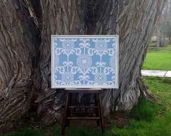 "Encadré tissu Pin couvert planche vieilli Style Vintage blanc cadre - 23 x 35"" bête encadrée grand babillard - tissu fleuri bleu"
