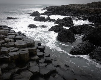 Giants Causeway picture comes with 7x5 wooden frame
