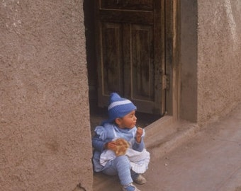 Child in the Door, Cuzco Peru 8x10 Matted Photograph Alba Ranch