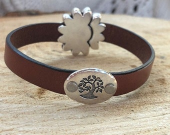 Brown leather diffusing bracelet with tree of life