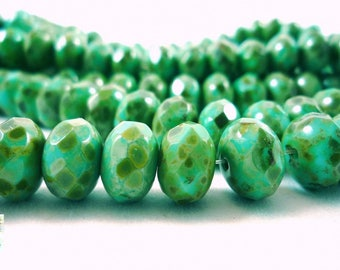 5 donuts Green Czech glass beads turquoise Picasso, 11x7mm, (ptch8)