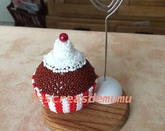 Chocolate cupcake photo with seed beads