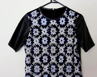 Vintage 1990s Black and White Embellished Sequin Beaded Embroidered Flower Print Modal T-shirt Top With Leather Sleeves