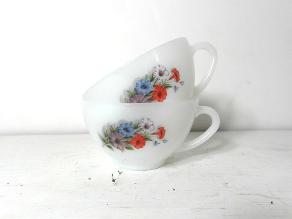 Arcopal latte cups. white milk glass with flower. French