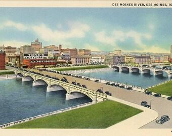 Des Moines River & Court Avenue Bridge Iowa Vintage Postcard (unused)