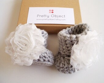 Newborn girl booties Crochet baby booties Baby girl gift Baby shower gift Newborn booties Baby girl shoes New baby gift Newborn photo prop