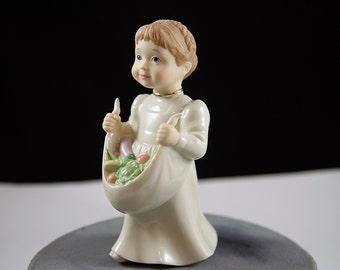 Lenox Figurine C-4 Girl Fruit Harvest White Vintage Excellent Condition Collectible