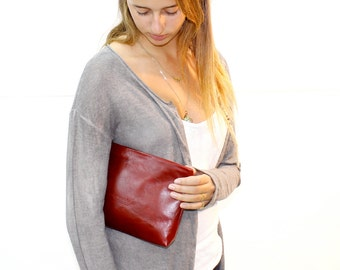 Sale!!! Leather Clutch handbag in Deep red Leather wristlet purse Red Clutch Bag