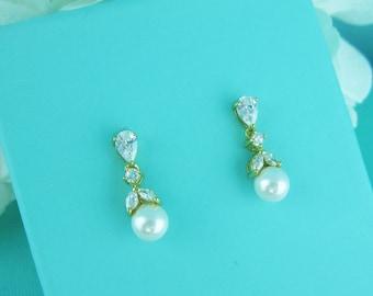 Gold Earrings Pearl, pearl bridal earrings, bridesmaids earrings,  wedding earrings, bridal earrings, Kathy Pearl Gold Earrings