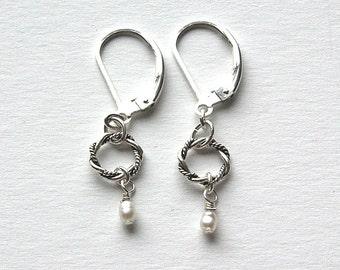 Small Pearl Earrings, Freshwater Pearl Earrings, Gift for Her, Lever Back Earrings, Pearl Earrings, Small Pearl Earrings, Tiny Pearl Earring
