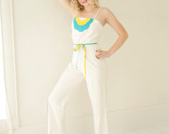 Vintage white cotton romper jumpsuit pantsuit, cotton sleeveless high-waist turquoise yellow summer one-piece outfit, 1970s 1980s XS