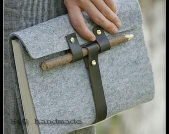 Unique handbound felt journal with leather belt wooden pen, blank paper notebook ,longstich handbound,unique gift Sketchbook / Diary