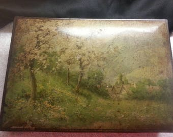 Nabisco Biscuit Company Antique Tin.
