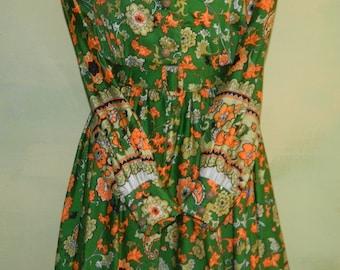 S 1960s 1970s Kelly Green Dress Orange Paisley Baroque Border Print Swing Skirt Wooden Buttons