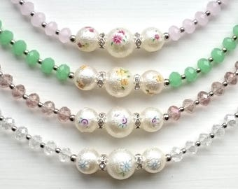 Floral Textured Pearls & Glass Beads Bracelet