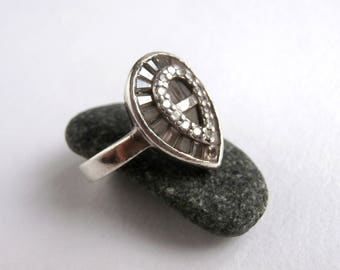 Teardrop Ring - Crystal Ring - Vintage Jewellery - Sterling Silver