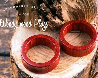 Tunnels - Red ear tunnels - wooden tunnels - natural tunnels - ear plugs - padauk wooden plugs - padauk ear runnels   ear gauges 00g - 40mm