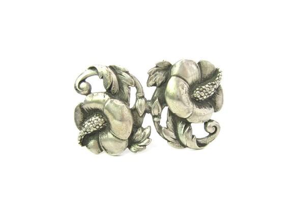 Vintage Viking Craft Hibiscus Flower Brooch. Nordic Style Sterling Silver. 1940s American