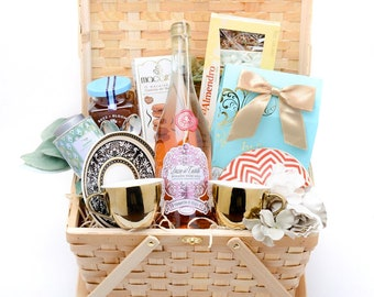 Tea & Honey Gift Basket