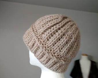 Brioche Cloche Hand Knit Hat in Warm Beige 100% Wool, Hand Knit Hat, Knit Hat, Winter Hat, Cloche Hat, Button Accent, Brioche Knit, Handmade