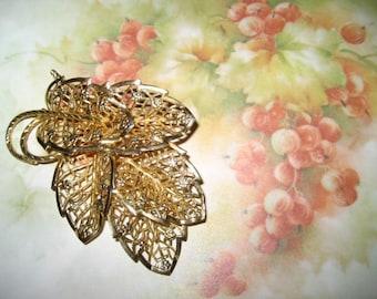 Vintage Judy Lee Gold Tone Leaf Pin - Filigree - Brooch