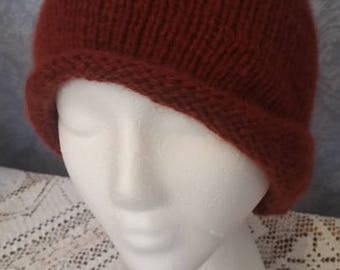 CASHMERE Cloche in Deep Redwood