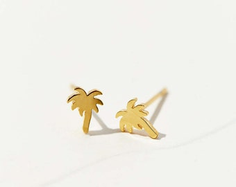 Tiny Palm Tree Stud Earrings - 3017