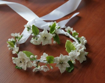 hibiscus wreath, white wreath, white hibiscus, hibiscus headband, bride jewelry, bridesmaids gift, hibiscus bracelet, ivory hibiscus