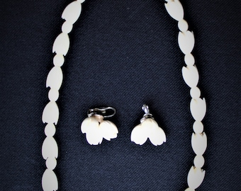 On Sale!! Vintage Carved PIKAKE  HAWAIIAN WEDDING Set  Necklace & Sterling Earrings