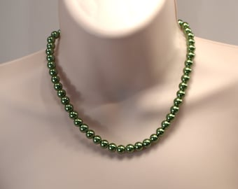 Green Pearl Necklace, Classic Everyday Pearl Jewelry, Simple Pearl Necklace, Green Pearl Strand Necklace, Traditional Pearl Necklace (N184)