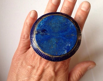 Silver enamelled Multan ring with lapis lazuli from Pakistan