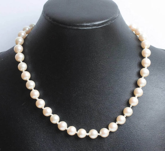 Faux Pearl Choker Necklace Bridal Prom Preppy 15 Inches Choker Length Vintage
