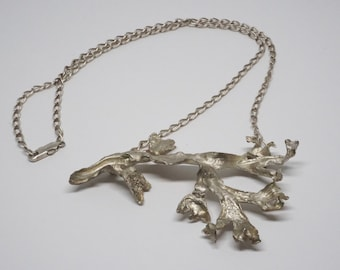 The East River seaweed pendant