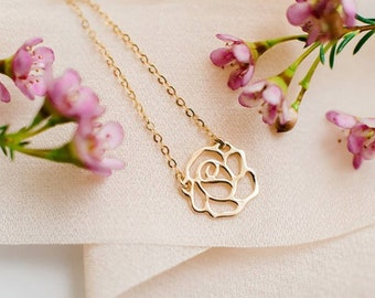 Rose Pendant Gold Necklace