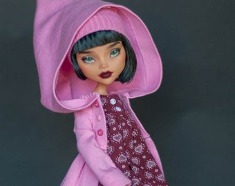 OOAK Monster High Kleo De Nil repaint 1 doll (green eyes)