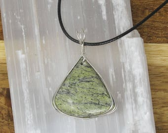 Handmade Silver Wire Wrapped Natural Green Snake Skin Jasper Necklace