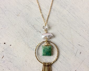 Chrysoprase and pearl fringe necklace