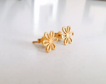 Vermeil Floral Studs, Flower posts, Nature Jewelry, Gold-Plated Earrings, daisy earrings