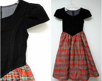 Bonnie Jean New York . 80s 90s plaid and black velvet long torso dress . girls size 12 . made in USA / Union Made