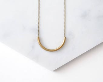 Delicate Curve Necklace. Minimal Gold Curved Tube Pendant. Modern Boho Jewelry. Dainty Necklace For Daughter. Geometric Semi Circle Arc.