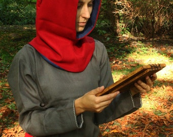 Medieval hood with liripipe, Historical  pattern, great for historical reenactment. Made of wool and linen