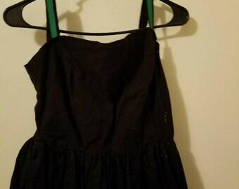 1950s full skirt sleeveless dress