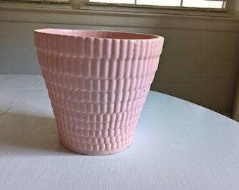 Vintage Royal Haeger Flower Pot --- Retro Greenhouse Garden Planter --- 1950's American Pottery Pastel Pop of Color Pretty Pink Home Decor