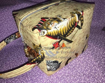"""Cute """"Cats at the Beach"""" Make Up Bag -- Darling & Whimsical -- Cosmetic Bag, Toiletry Bag, pouch, cosmetics, zipper pull"""
